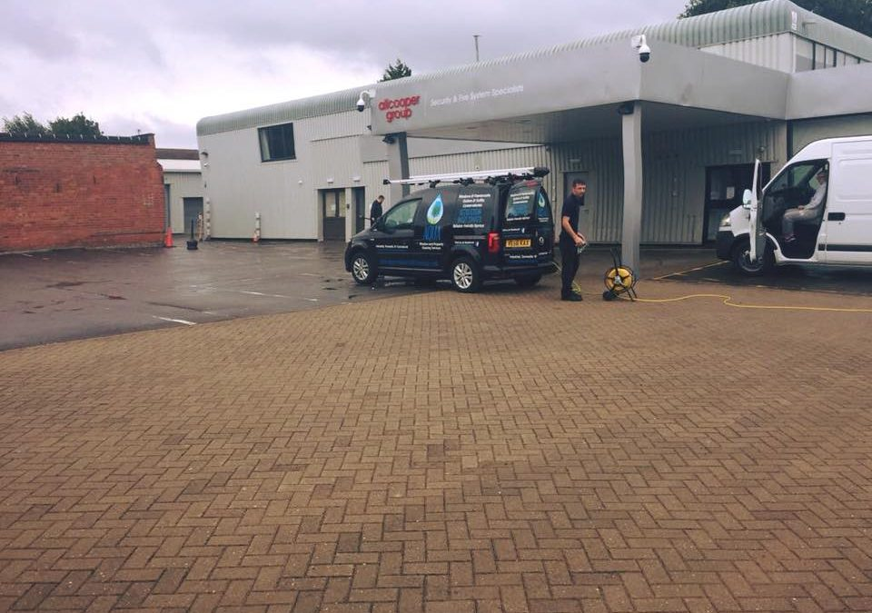 Commercial clean gloucester h2o cleaning service pressure washing and exterior cleaning services for Commercial exterior cleaning services